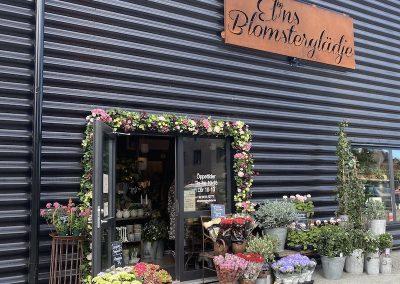 invigning utanför elins blomsterglädje